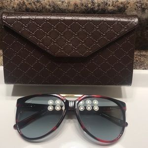 Pre-Loved Gucci Sunnies